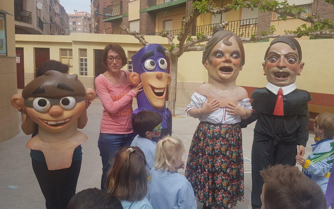 Visita dels GEGANTS i CABUTS a Infantil